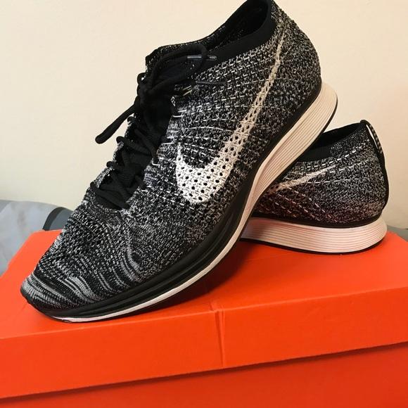 8584b885af42 Nike Flyknit Racer Oreo. M 5acc28eea44dbe9b1aae28ba
